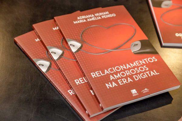 thumb-lancamento-do-livro-relacionamentos-amorosos-na-era-digital-foto-006